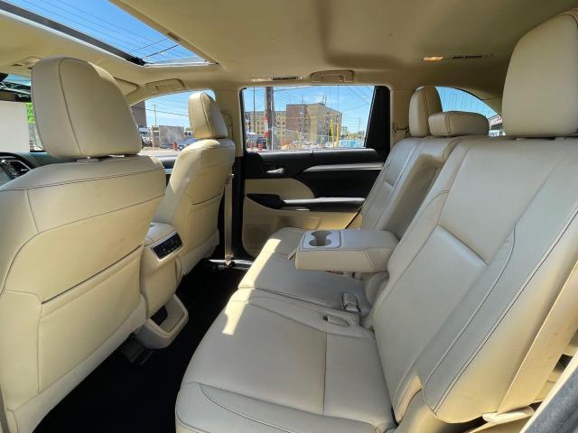 2017 Toyota Highlander Hybrid XLE Navigation /Sunroof /Leather /Camera Photo10
