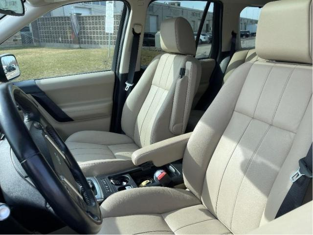 2013 Land Rover LR2 SE Panoramic Sunroof/Leather Photo11