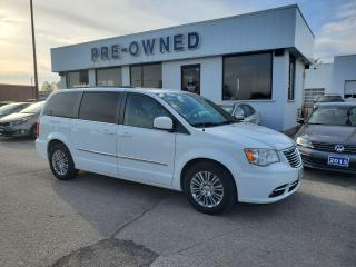 Used 2014 Chrysler Town & Country TOURING for sale in Brantford, ON