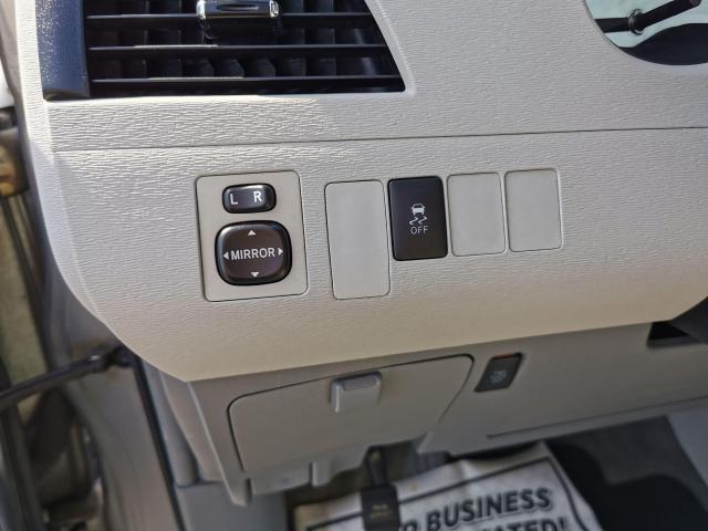 2012 Toyota Sienna LE Photo14