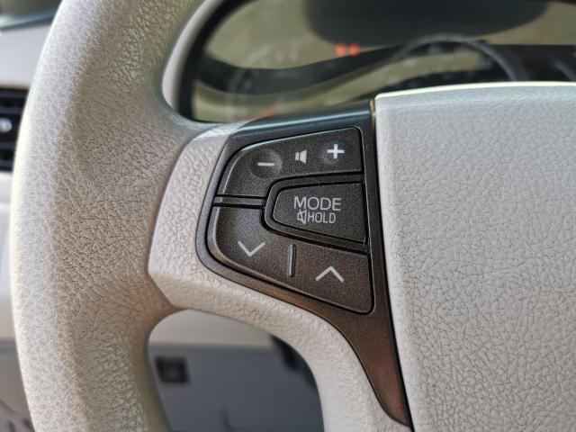 2012 Toyota Sienna LE Photo17