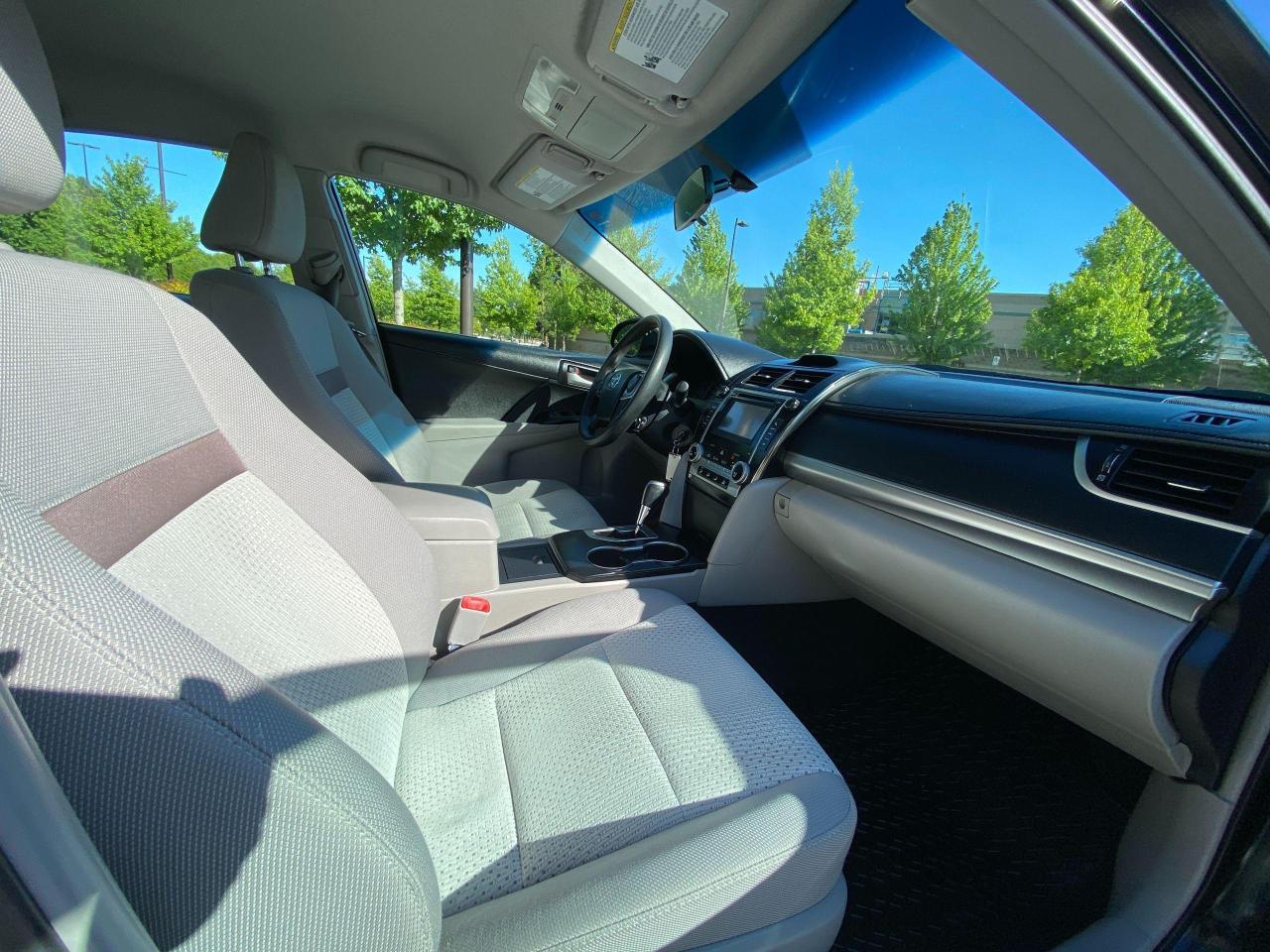 2013 Toyota Camry  Photo16