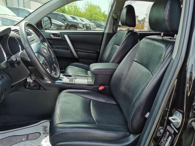2013 Toyota Highlander 4WD Photo11