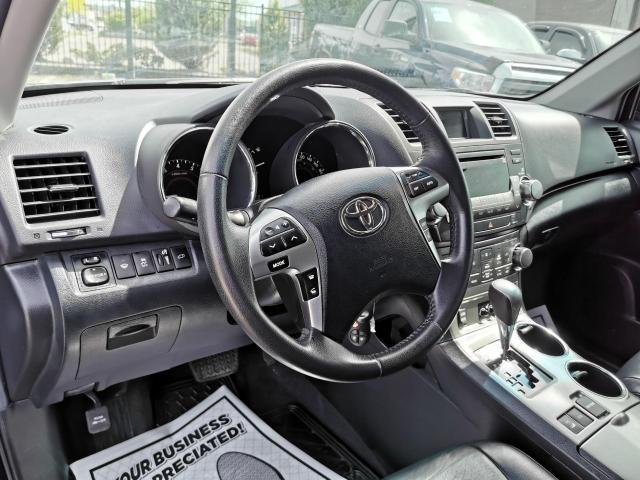 2013 Toyota Highlander 4WD Photo12