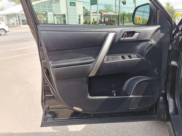 2013 Toyota Highlander 4WD Photo13