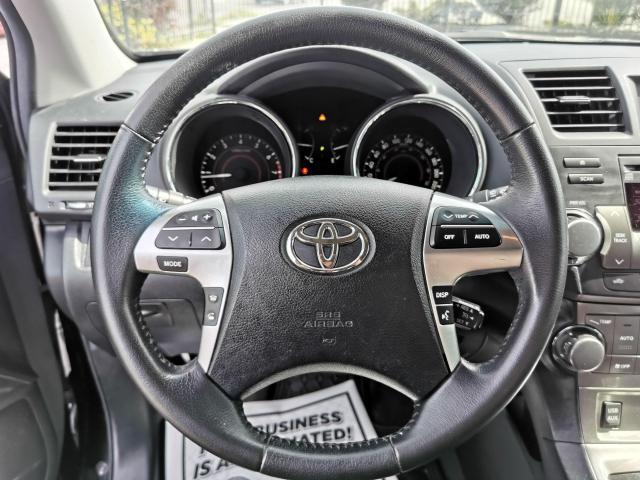 2013 Toyota Highlander 4WD Photo16