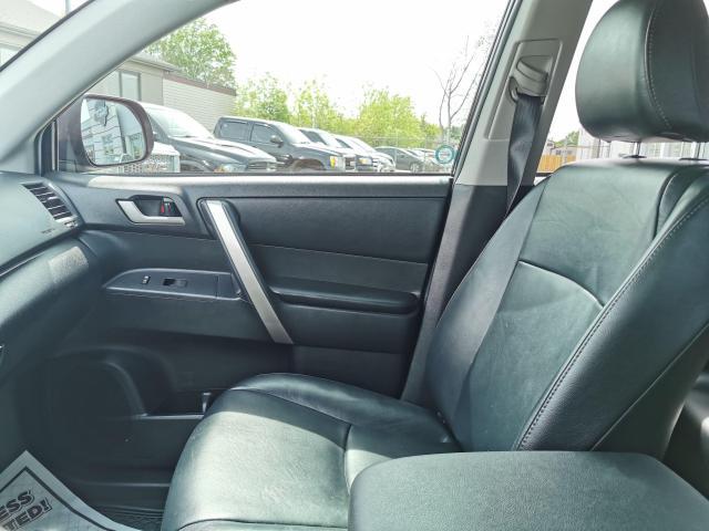 2013 Toyota Highlander 4WD Photo25