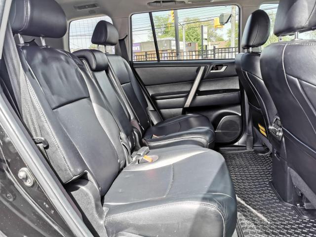 2013 Toyota Highlander 4WD Photo35