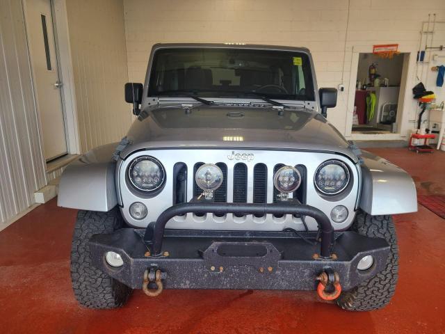 2014 Jeep Wrangler SAHARA 4X4 Photo5