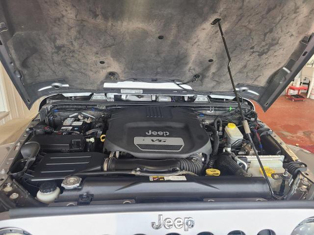 2014 Jeep Wrangler SAHARA 4X4 Photo6