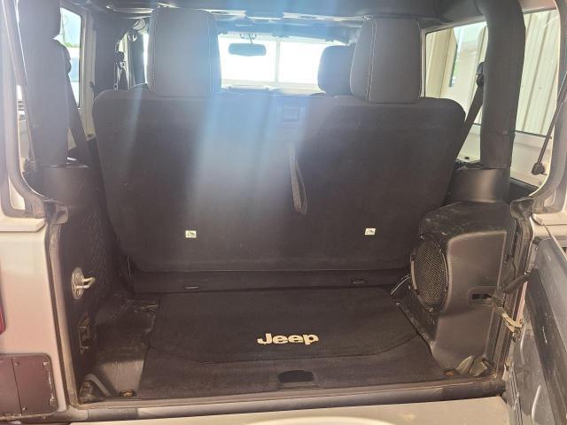 2014 Jeep Wrangler SAHARA 4X4 Photo8