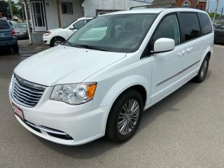 Used 2015 Chrysler Town & Country Touring ** HTD LEATH/WHEEL, PWR SLIDERS, BACK CAM ** for sale in St Catharines, ON
