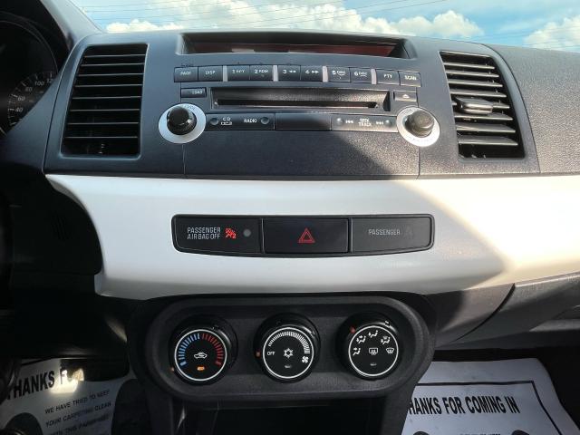 2013 Mitsubishi Lancer SE Photo12