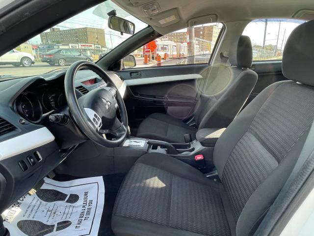 2013 Mitsubishi Lancer SE Photo9