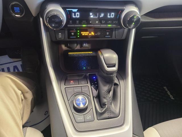2019 Toyota RAV4 LIMITED AWD Photo17