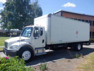 Used 2006 Freightliner M2 106 MEDIUM DUTY Cube Van 24 foot Diesel Air Brakes Power Tailgate Service Truck for sale in Burnaby, BC