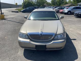 Used 2007 Lincoln Town Car Signature Limited for sale in Hamilton, ON