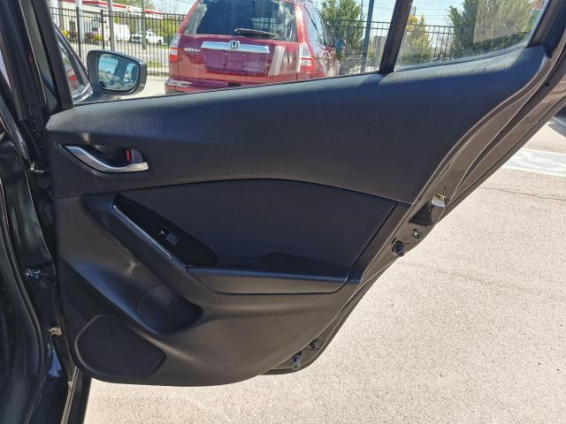 2017 Mazda MAZDA3 GS Automatic Sedan Photo31