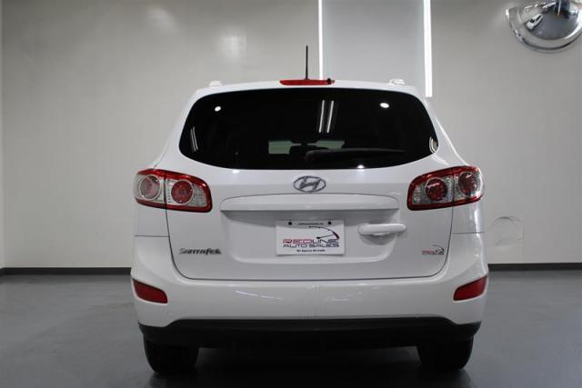 2012 Hyundai Santa Fe GL 2.4L at