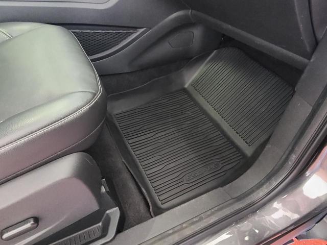 2017 Ford Escape Titanium Photo23