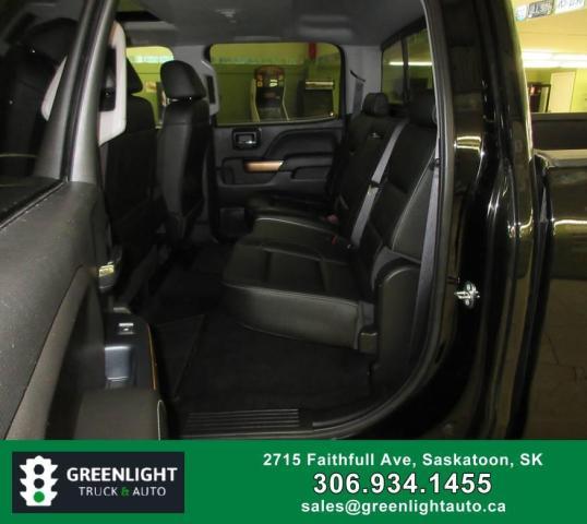 2017 Chevrolet Silverado 1500 LTZ Crew Cab 4WD Photo10