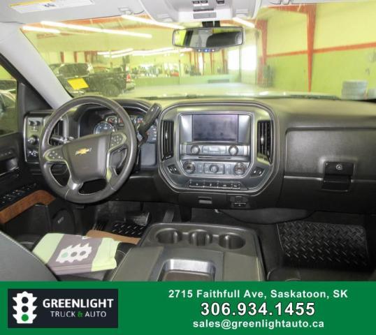 2017 Chevrolet Silverado 1500 LTZ Crew Cab 4WD Photo13