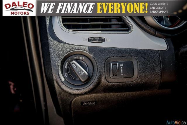 2015 Dodge Journey SXT / 7 PASSENGER / HEATED MIRRORS Photo23