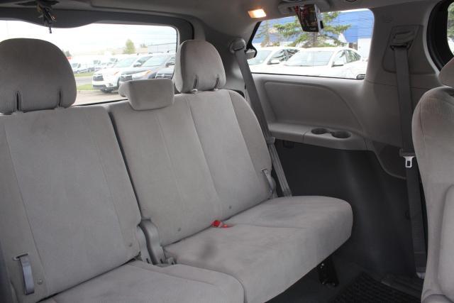 2020 Toyota Sienna CE Photo12