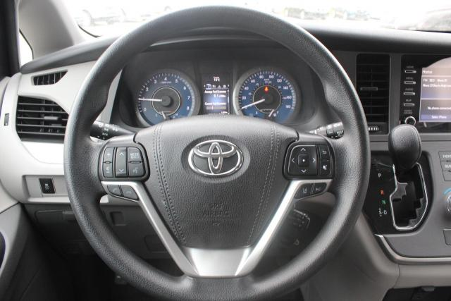 2020 Toyota Sienna CE Photo14