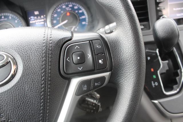 2020 Toyota Sienna CE Photo16
