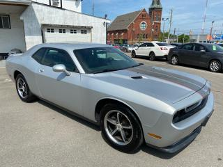 Used 2010 Dodge Challenger SE ** HTD LEATH, CRUISE, TRACTION ** for sale in St Catharines, ON