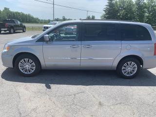 Used 2016 Chrysler Town & Country Touring-L for sale in Morrisburg, ON