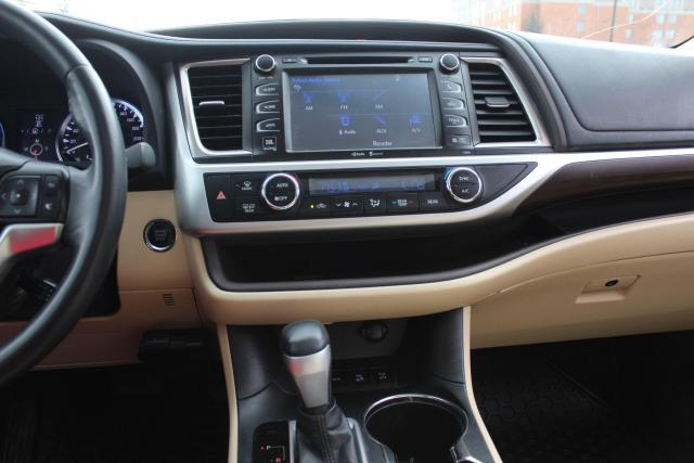 2014 Toyota Highlander LIMITED  Photo12