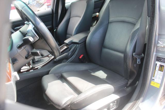 2009 BMW 3 Series 335i xDrive Photo16