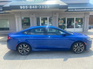 Used 2015 Chrysler 200 S AS-IS for sale in Mississauga, ON