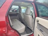 2010 Ford Escape XLT LEATHER LOW KMS 1 OWNER
