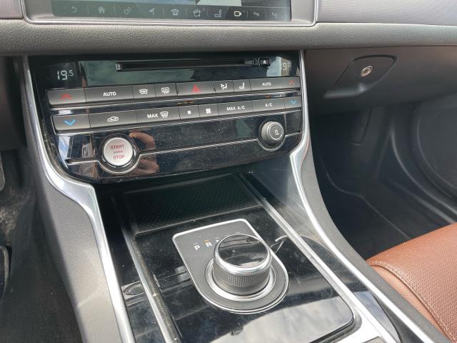 2017 Jaguar XF 20d R-Sport Navigation/Sunroof /Camera Photo17