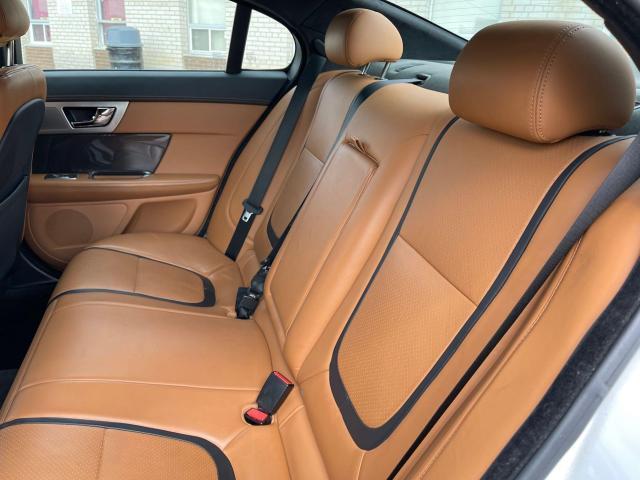 2013 Jaguar XF Premium AWD SUNROOF/LEATHER/LOADED Photo9