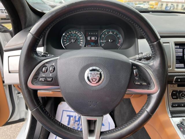 2013 Jaguar XF Premium AWD SUNROOF/LEATHER/LOADED Photo13