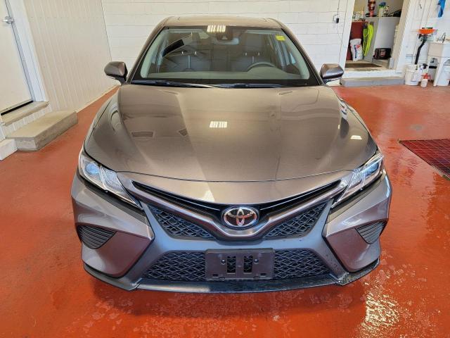 2020 Toyota Camry SE Photo5
