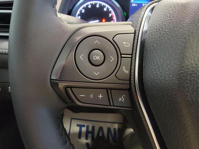 2020 Toyota Camry SE Photo11