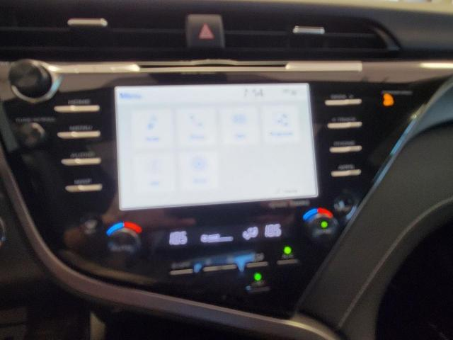 2020 Toyota Camry SE Photo15