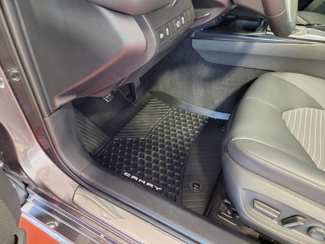 2020 Toyota Camry SE Photo17