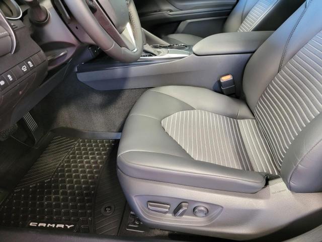 2020 Toyota Camry SE Photo18
