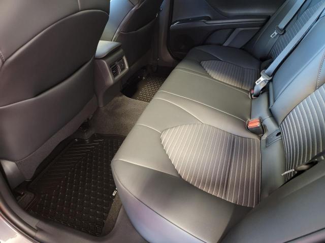 2020 Toyota Camry SE Photo20
