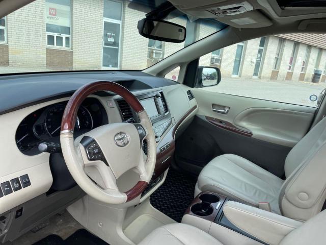 2013 Toyota Sienna LIMITED AWD NAVIGATION/DVD/7 PASSENGER Photo16