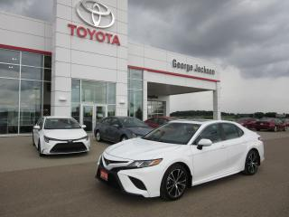 Used 2018 Toyota Camry SE Upgrade for sale in Renfrew, ON