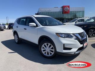Used 2017 Nissan Rogue SV HEATED SEATS, REVERSE CAMERA, BLUETOOTH for sale in Midland, ON
