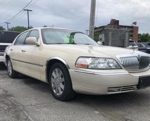 Used 2003 Lincoln Town Car for sale in Brockville, ON