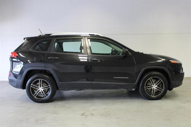 2014 Jeep Cherokee WE APPROVE ALL CREDIT.